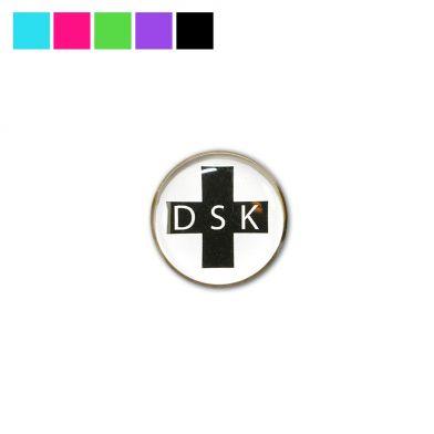 Vårdbrosch, DSK